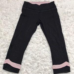 🖤💞 Lululemon Black and Pink Crop 💞🖤